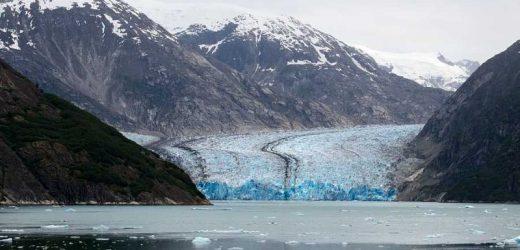 7.8 magnitude earthquake hits off Alaska, triggers brief tsunami warning